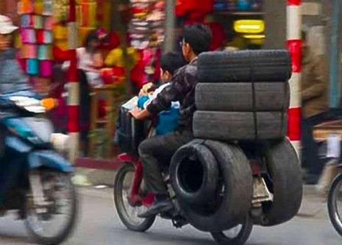 Як не варто використовувати мотоцикли і мопеди. Нові автоприколы