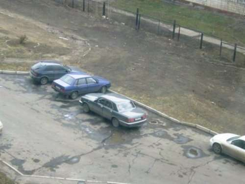 Генії паркування. Картинки про авто